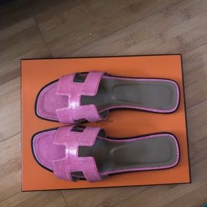 Hermes Shoes - Hermès Oran Sandals in Fuschia Pink Lizard